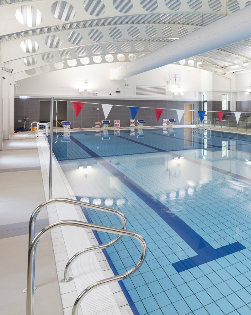 Godstowe school pool int 07
